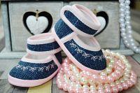 Lola Baby Dievčenské capáčky s výšivkou - ružovo-modré, EUR 19