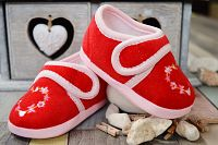 Lola Baby Dievčenské topánočky so srdiečkom - červené, EUR 21