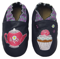 Rose et Chocolate Dievčenské topánočky s kanvičkou a tortičkami Classicz, tmavo modré