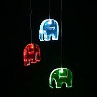 Think Gadgets Závesná svetelná dekorácia Slony