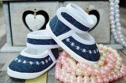Lola Baby Dievčenské capáčky s výšivkou - bielo-modré, EUR 19