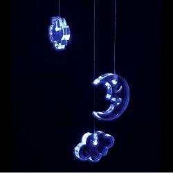 Think Gadgets Závesná svetelná dekorácia Mesiac a mráčky
